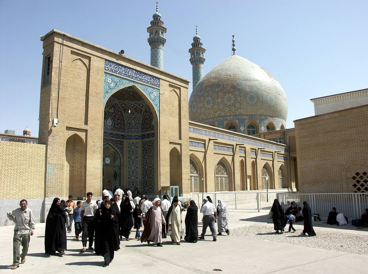 Two week Iran travel itinerary - Conservative clothes in Qom, Iran