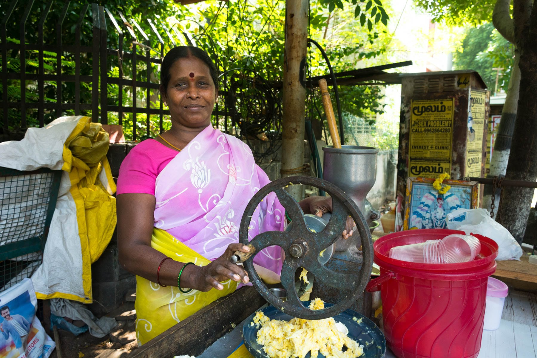 Why dual pricing is unfair - A juice seller in Chennai, India - Lost With Purpose