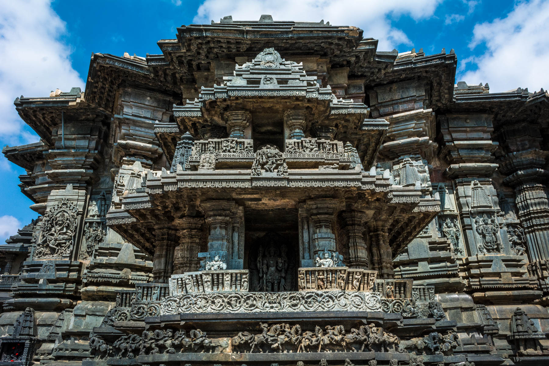 Off the beaten track places to visit in Karnataka, India - Chennakesava temple in Belur, India - Lost With Purpose