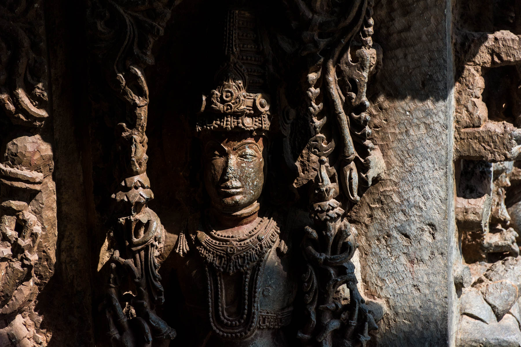 Off the beaten track places to visit in Karnataka, India - Stone carvings on the Hoyaleshwara temple in Halebidu, India - Lost With Purpose
