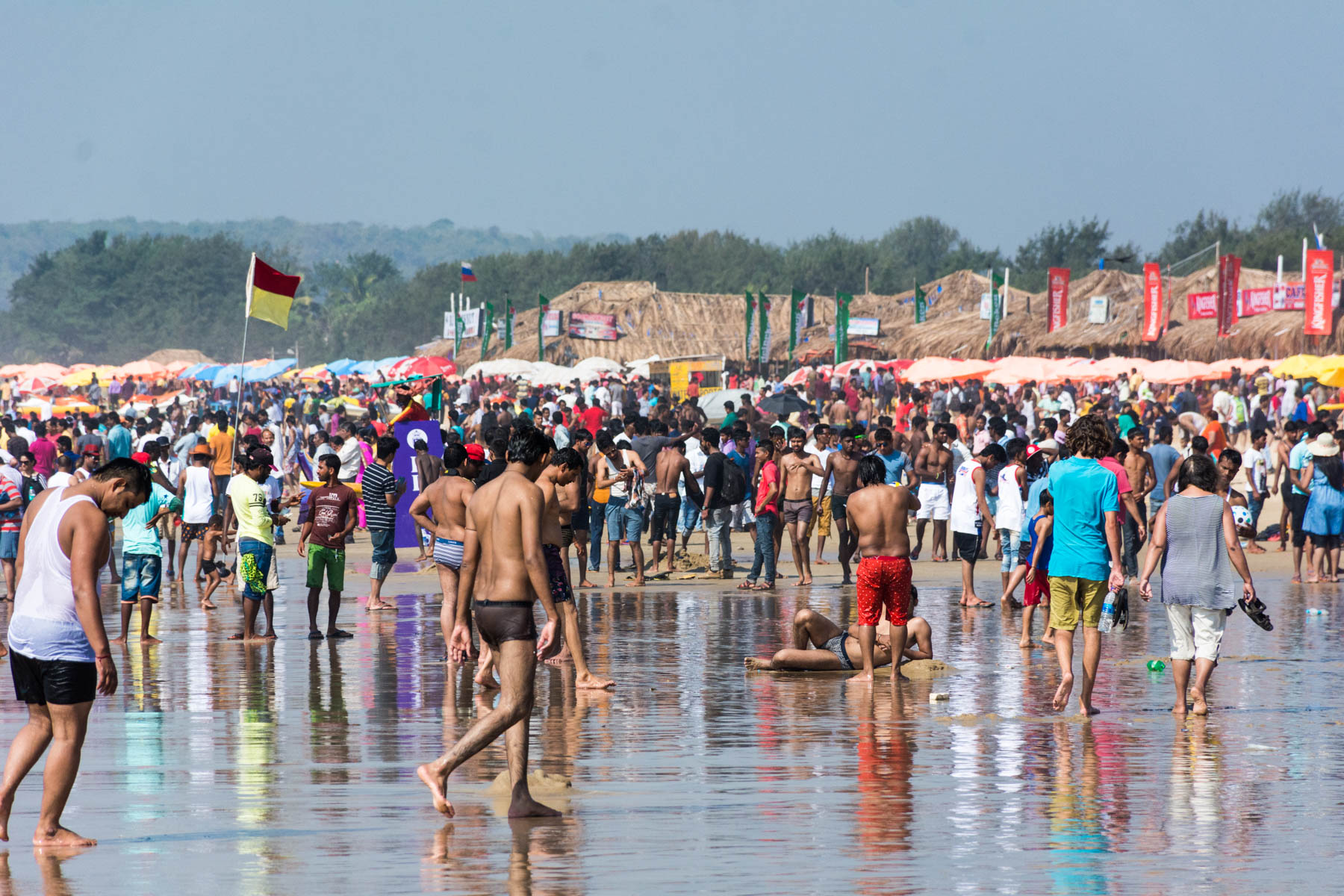 Massive crowds on Calangute beach