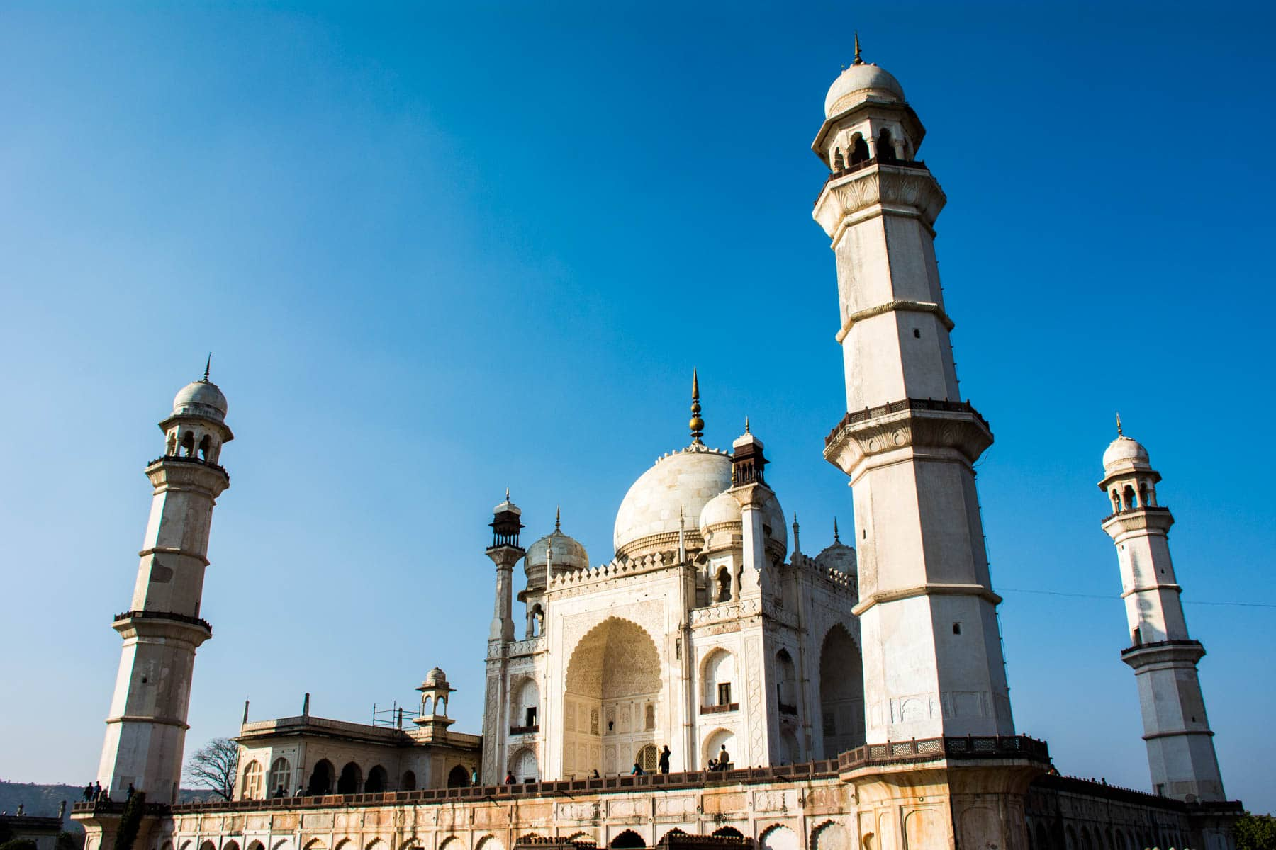 How much it costs to go backpacking in South India - Bibi Ka Maqbara in Aurangabad, Maharashtra, India - Lost With Purpose