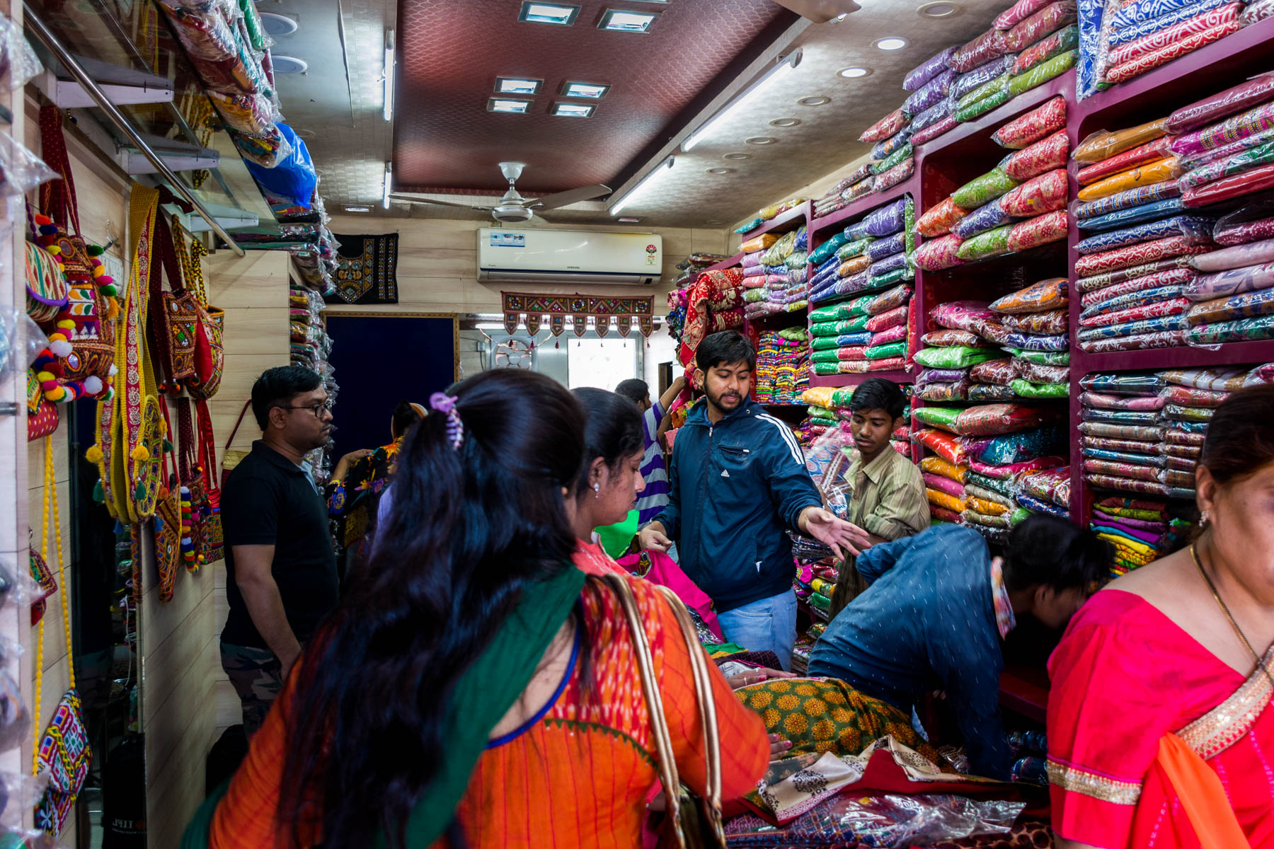 Textiles and crafts of Kutch, Gujarat, India - Indians shopping for kurtas and dresses in Bhuj - Lost With Purpose