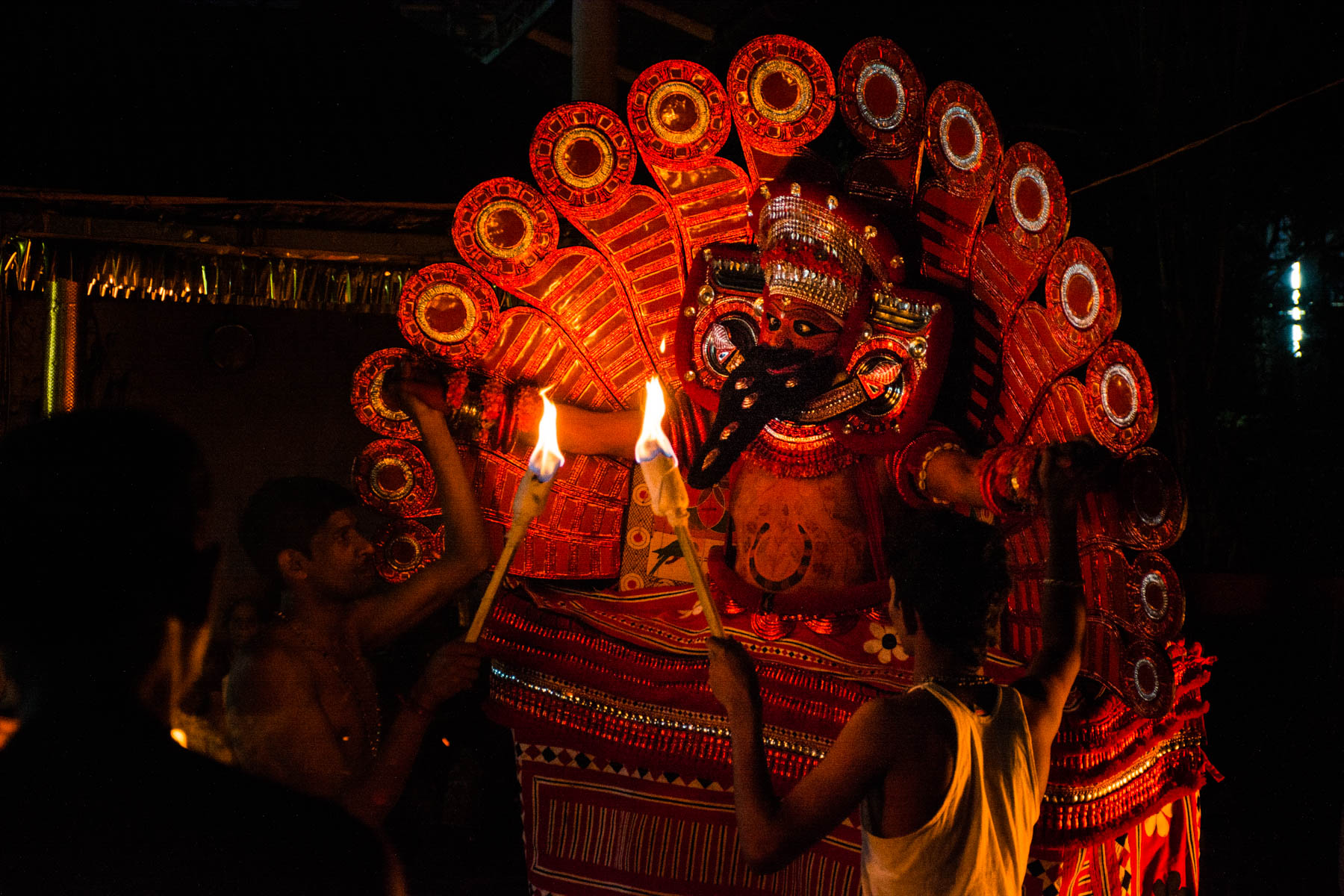 How much it costs to go backpacking in South India - A Theyyam ritual dance in Kannur, Kerala, India - Lost With Purpose