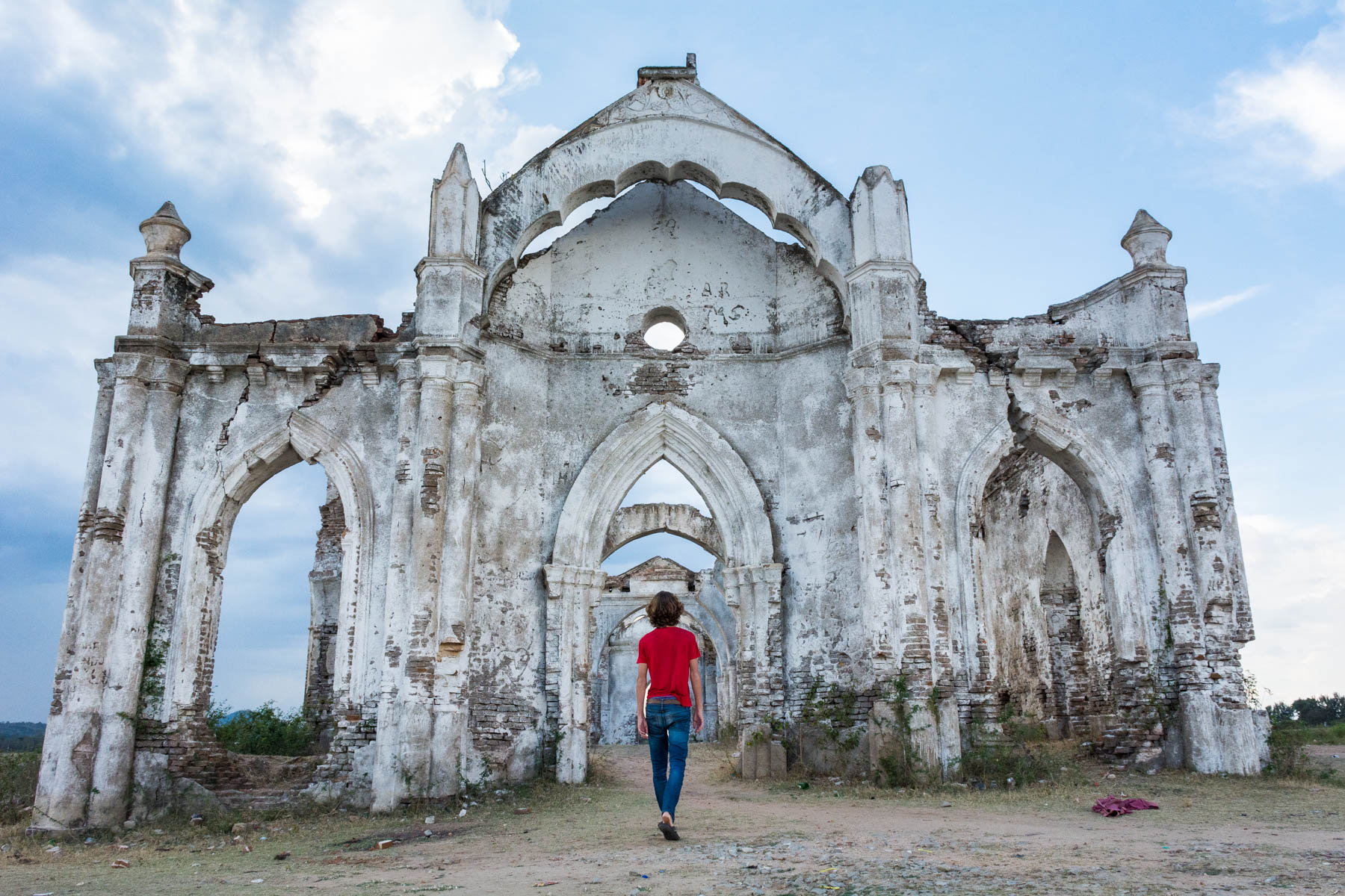How much it costs to go backpacking in South India - Exploring Shettihalli Rosary Church near Hassan, Karnataka, India - Lost With Purpose