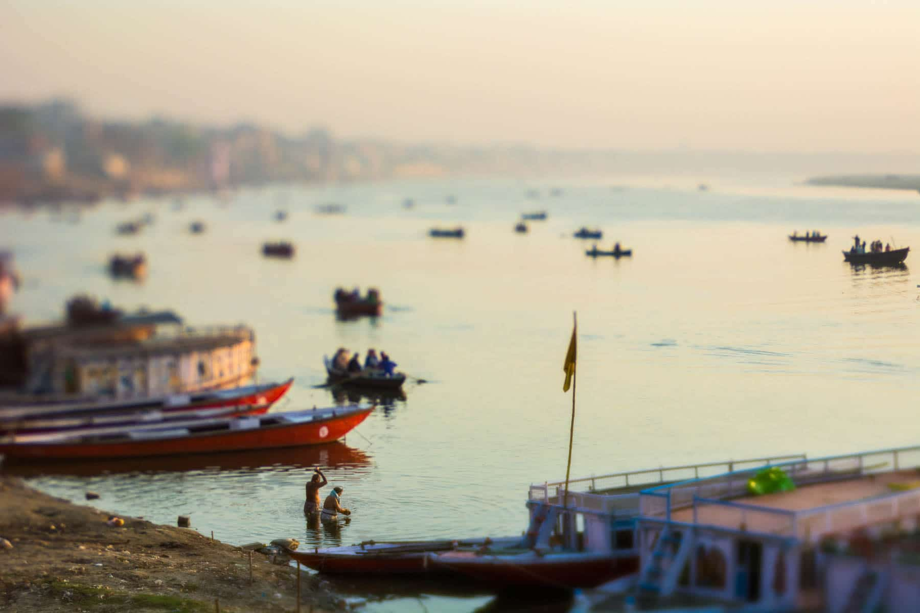 Lensbaby Edge 50 Optic review - Sunrise bath time in the Ganges on the ghats of Varanasi, India - Lost With Purpose