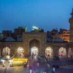 Travel in Pakistan during Ramadan - The Wazir Khan mosque in Lahore from above after iftar - Lost With Purpose