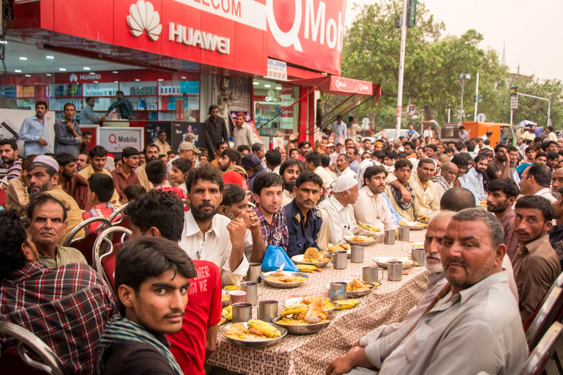 What it's like to travel in Pakistan during Ramadan - Lost With Purpose