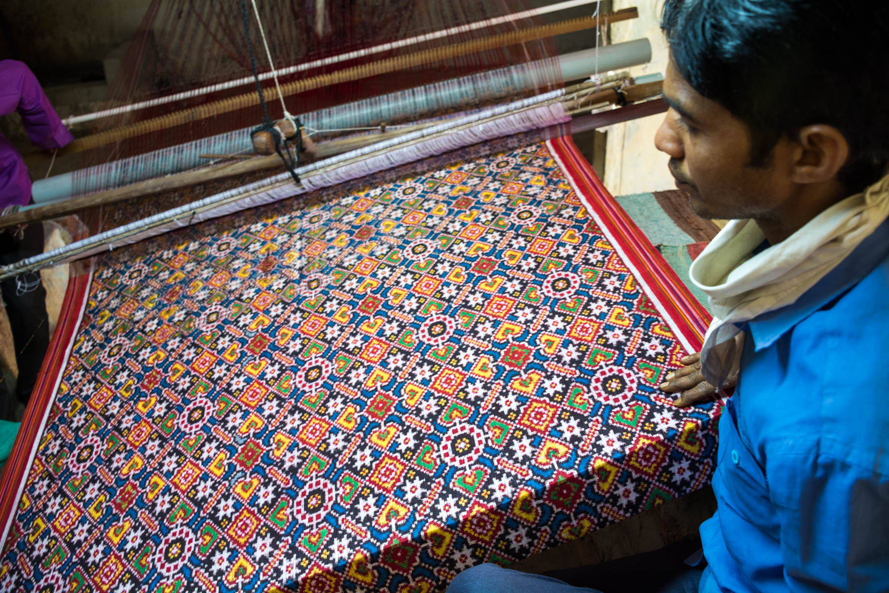 A history of Patan Patola in Gujarat, India - A Patola weaver at his loom - Lost With Purpose