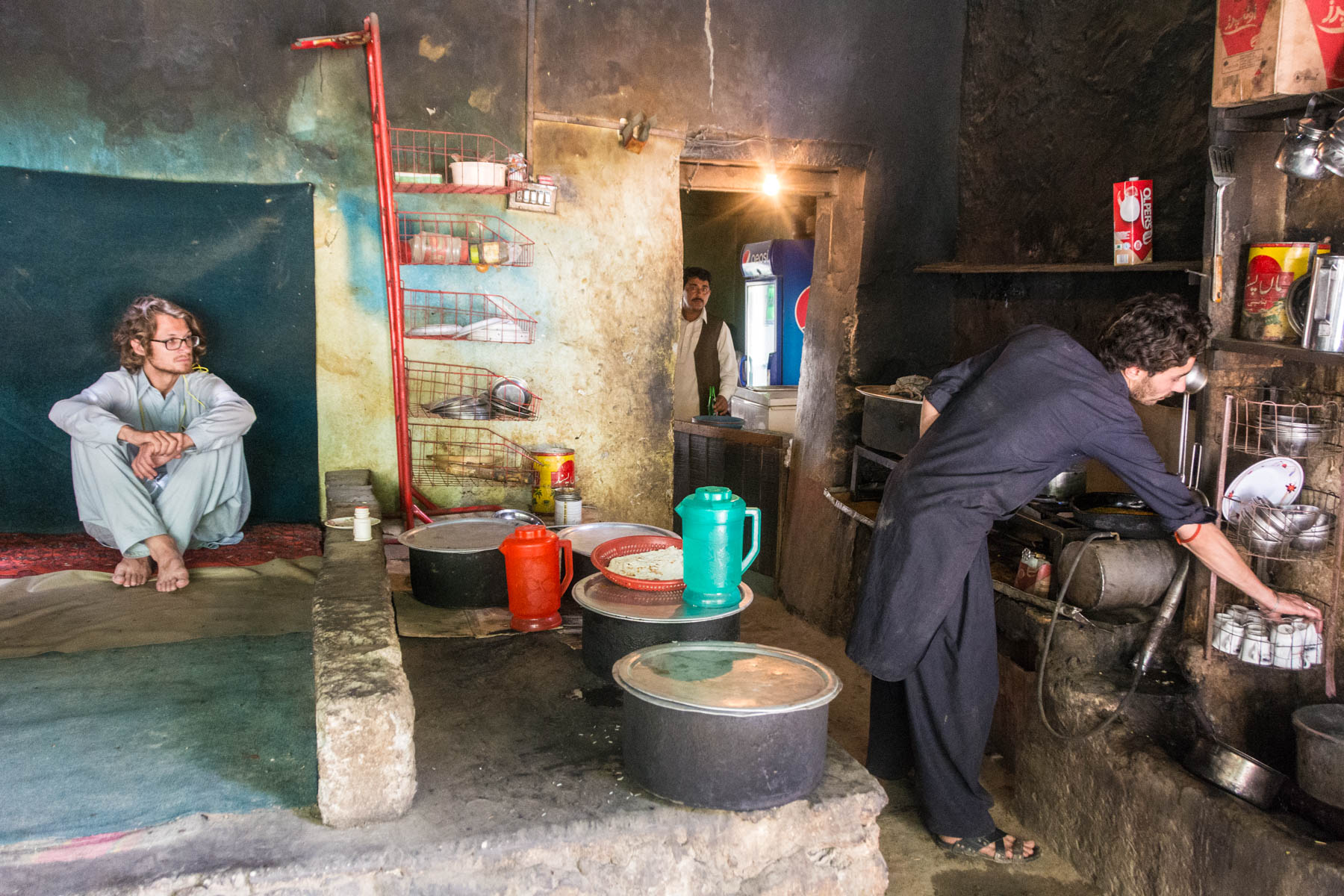 What it's like to travel in Pakistan during Ramadan - A hidden lunch on the bus to Skardu, Gilgit Baltistan, Pakistan - Lost With Purpose
