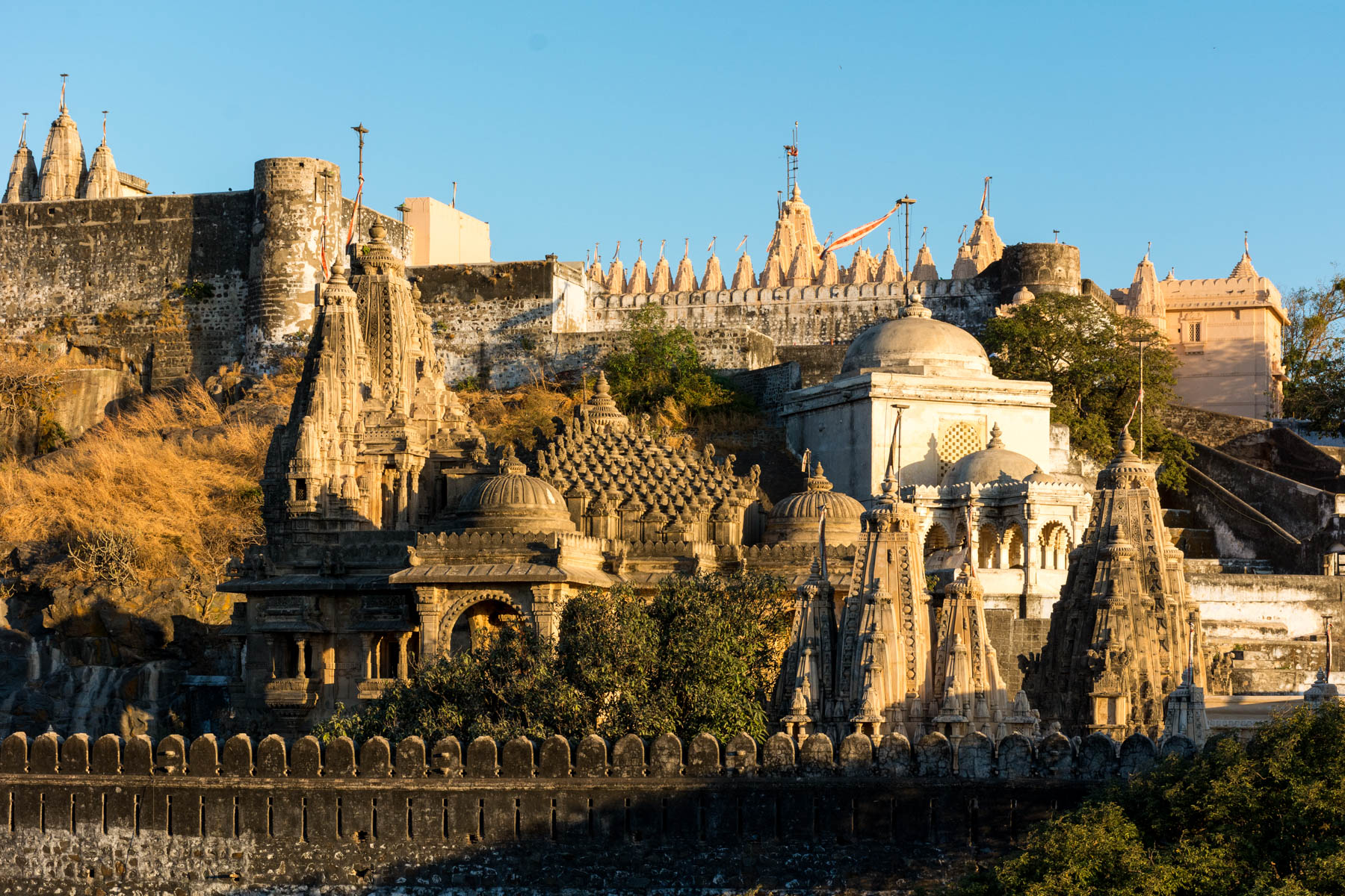 Jain pilgrimage in Palitana, India - Sunrise over the mountain of temples, Shatrunjaya Hill - Lost With Purpose