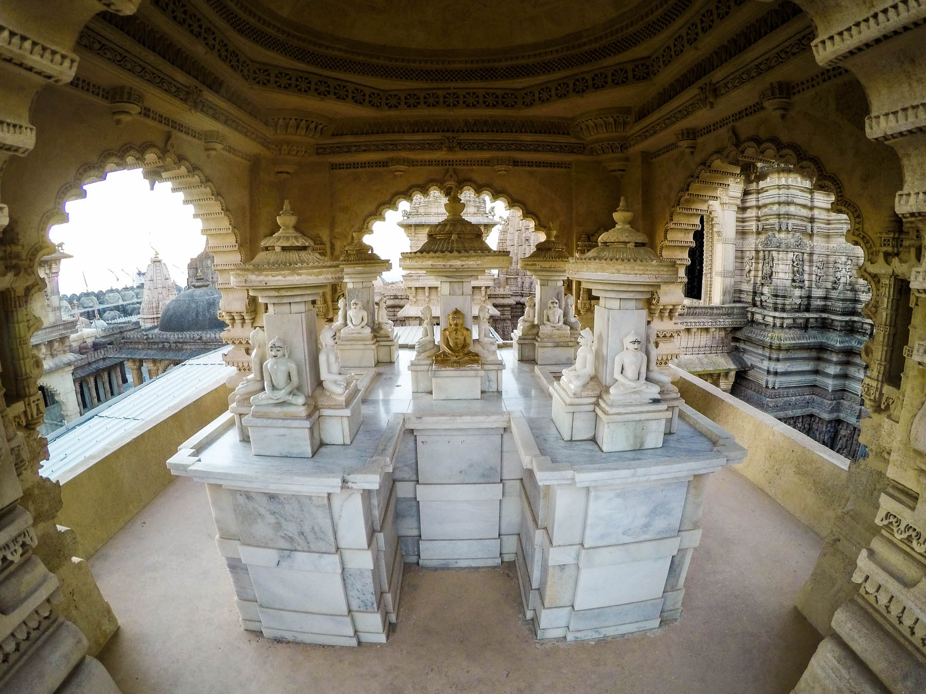 Jain pilgrimage in Palitana, India - Tirthankar statues on Girnar mountain - Lost With Purpose