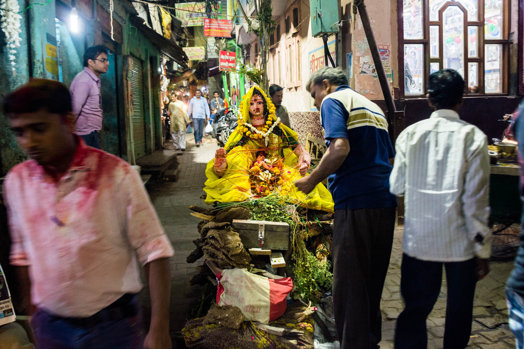 What you need know about playing Holi in Varanasi, India - Preparing for the fires of Holika Dahan - Lost With Purpose