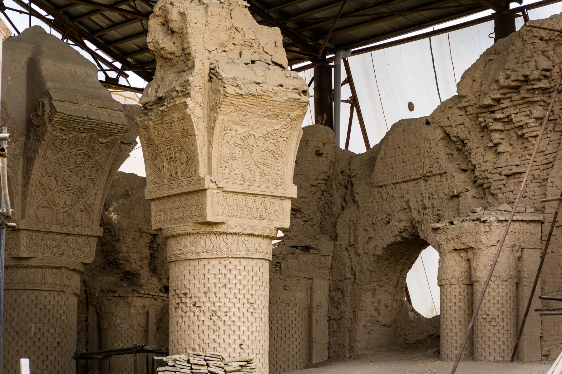 What is baksheesh? - Restoration of the Nuh Gunbad mosque in Balkh, Afghanistan - Lost With Purpose
