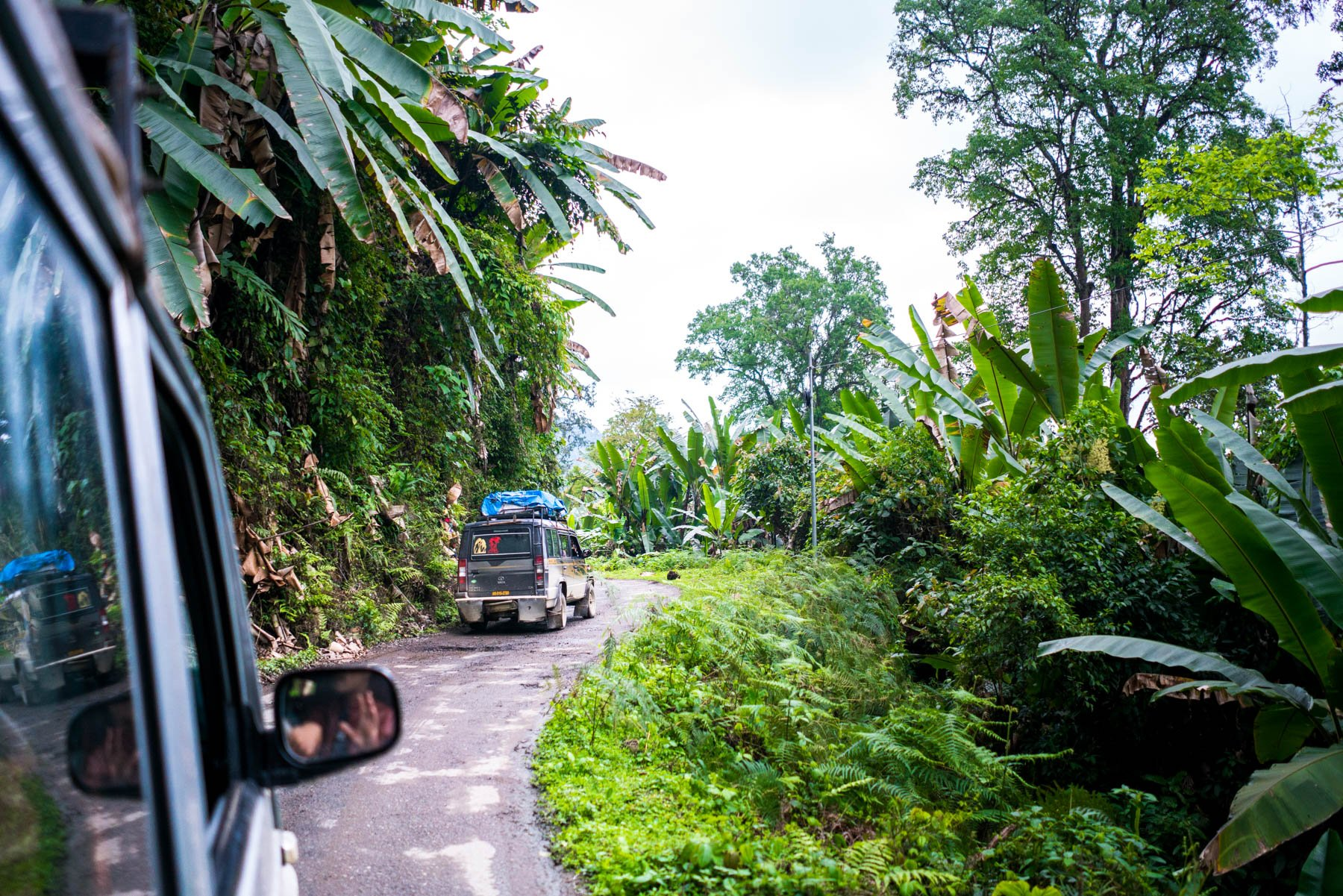 Backpacking Arunachal Pradesh travel guide - Sumos driving the road from Ziro to Daporijo - Lost With Purpose
