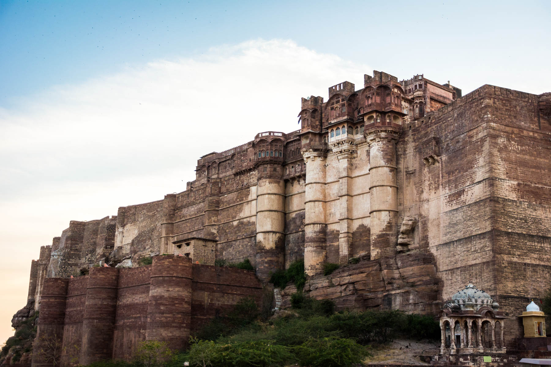 Photo essay about the streets and people of the Blue City of Jodhpur, Rajasthan, India - Mehrangarh fort over the city - Lost With Purpose