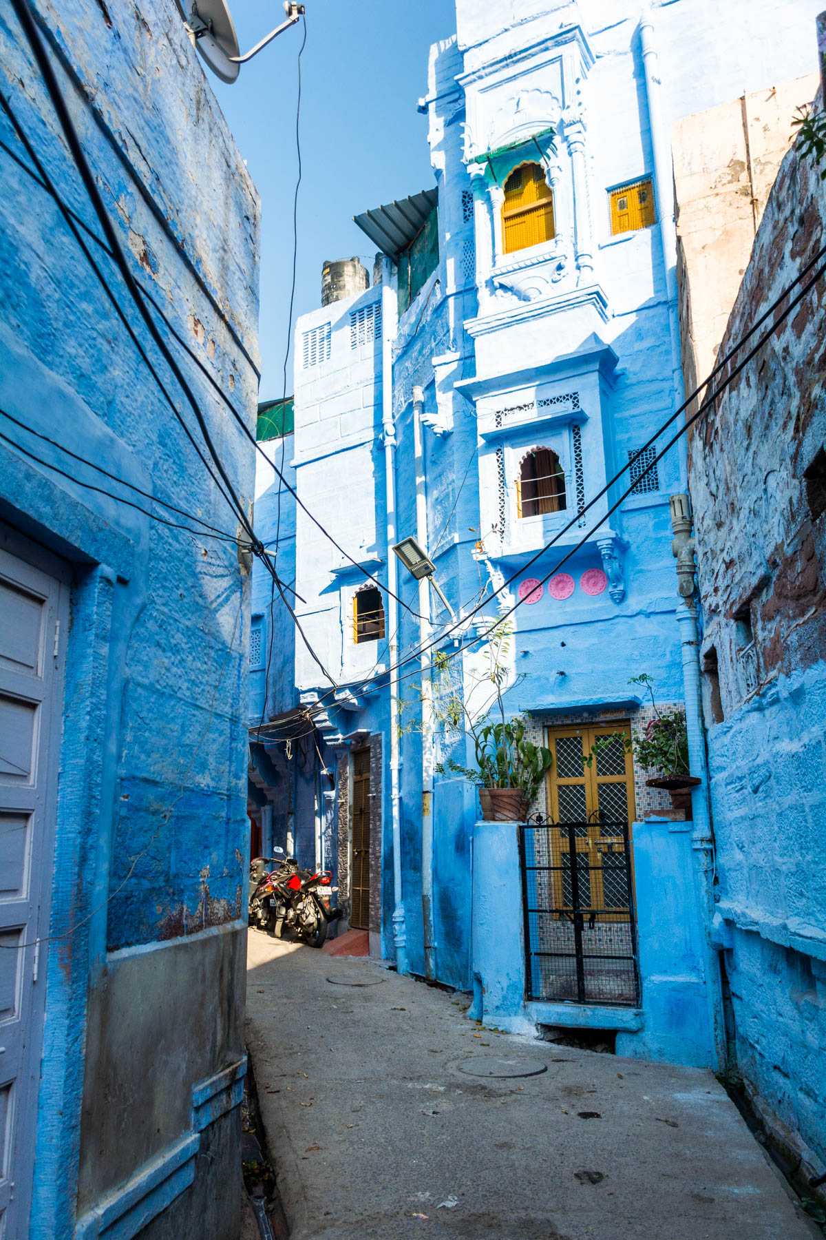 A very blue alley way in the blue city of Jodhpur in Rajasthan state, India
