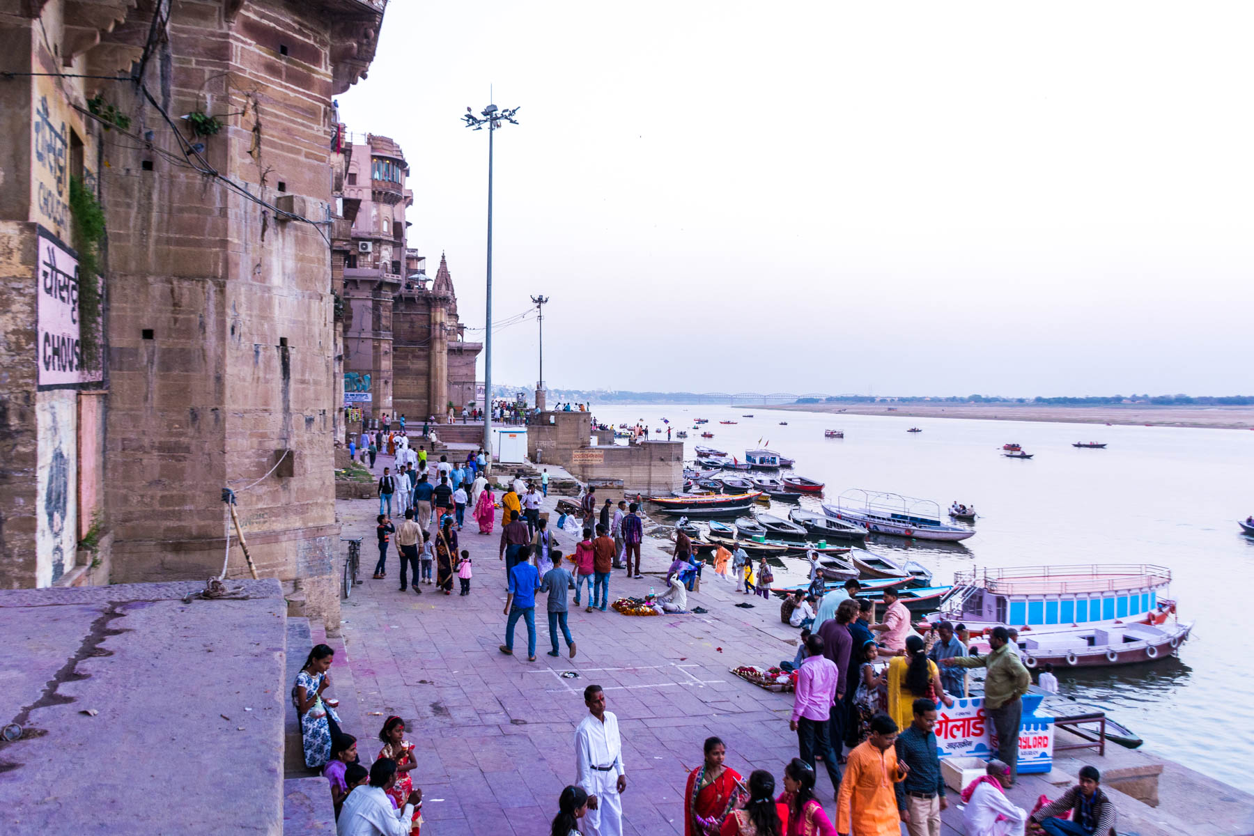 What you need know about playing Holi in Varanasi, India - The evening of Holi - Lost With Purpose