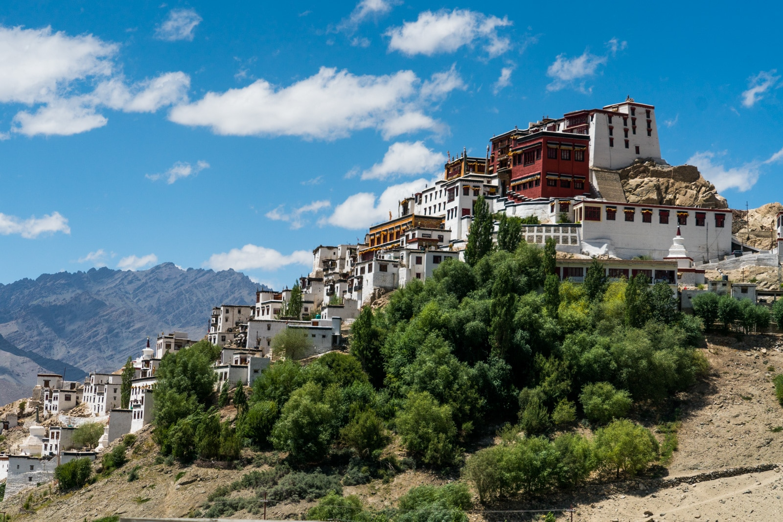 Hitchhiking the Leh - Manali highway - Thiksey Buddhist monastery - Lost With Purpose travel blog