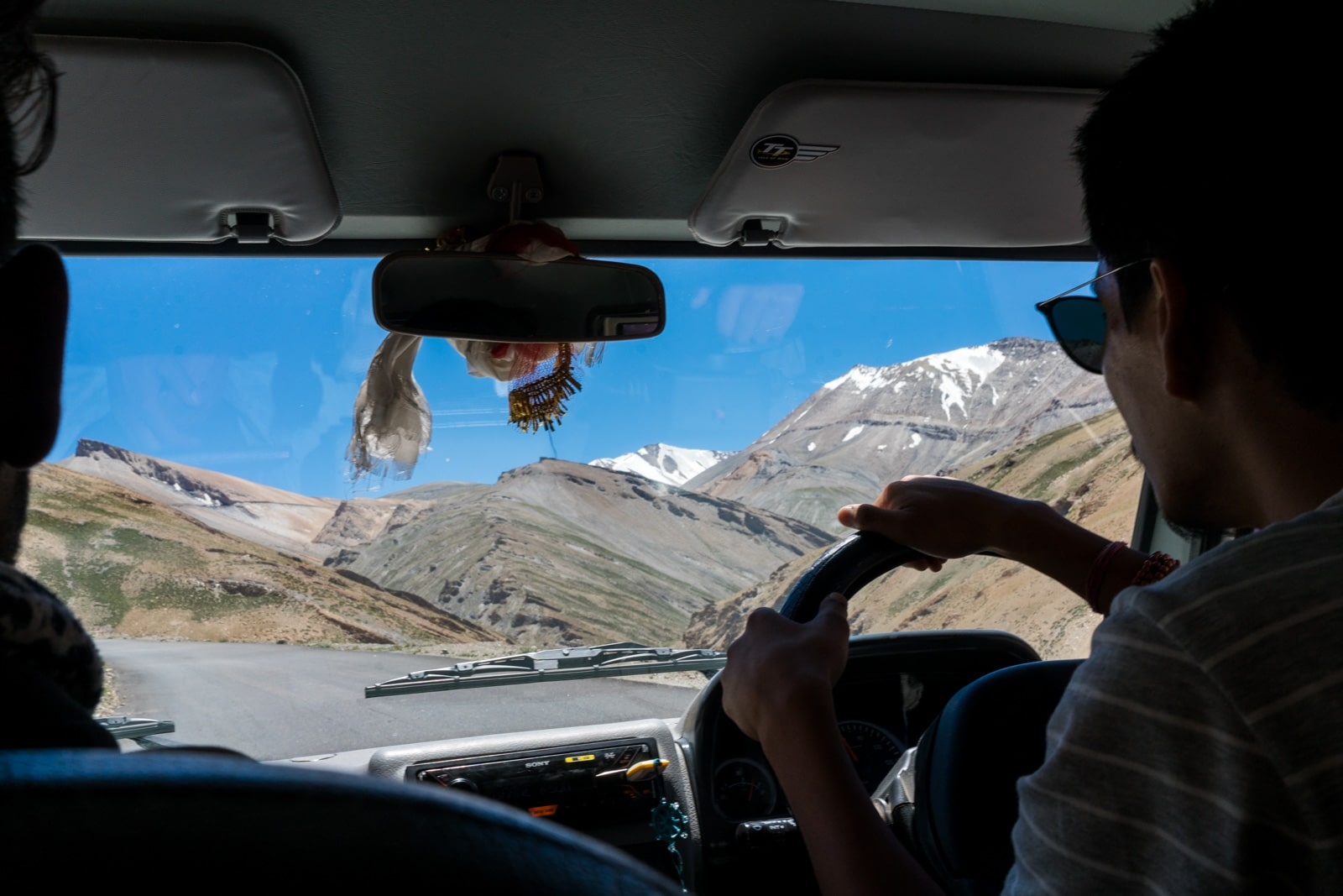 Hitchhiking the Leh - Manali highway - Driving in a truck over the mountain pass - Lost With Purpose travel blog