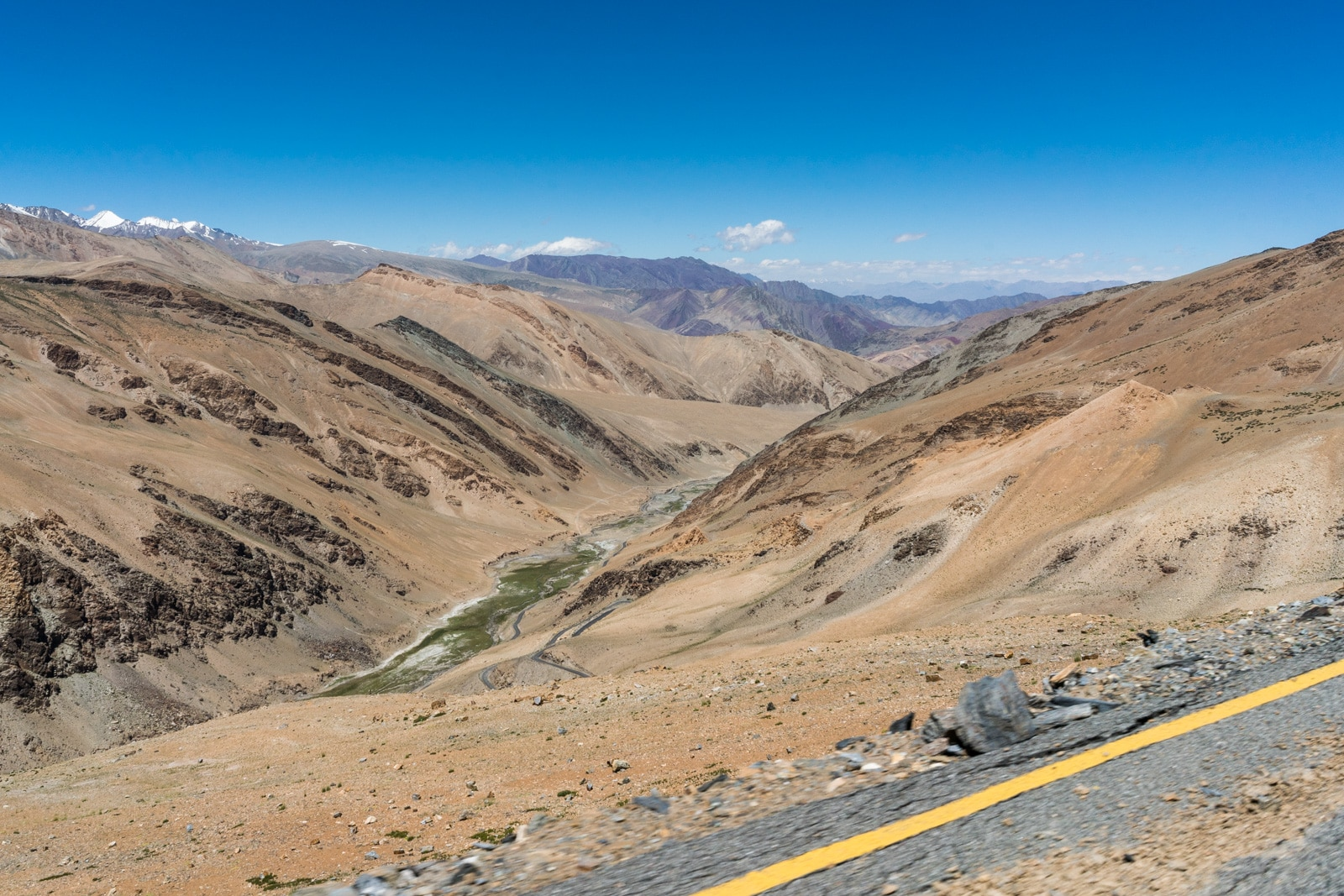 Hitchhiking the Leh - Manali highway - Views from Tanglang La pass - Lost With Purpose travel blog
