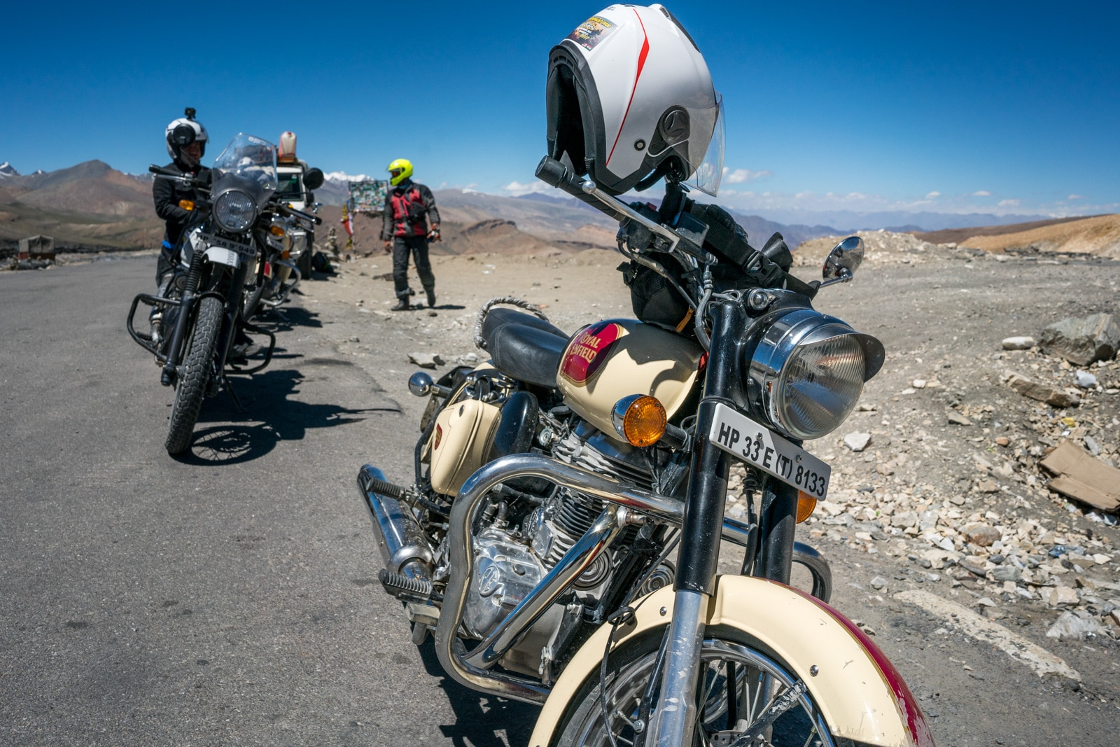 Hitchhiking the Leh - Manali highway in India - Royal Enfield motorbikes - Lost With Purpose travel blog
