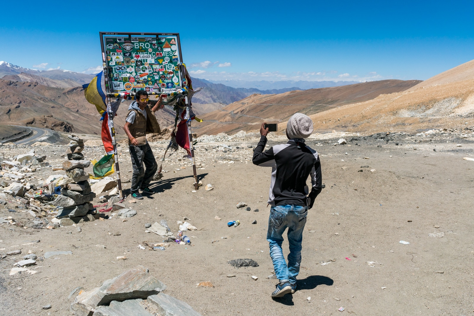 Hitchhiking the Leh - Manali highway - Selfie time at Tanglang La pass in India - Lost With Purpose travel blog