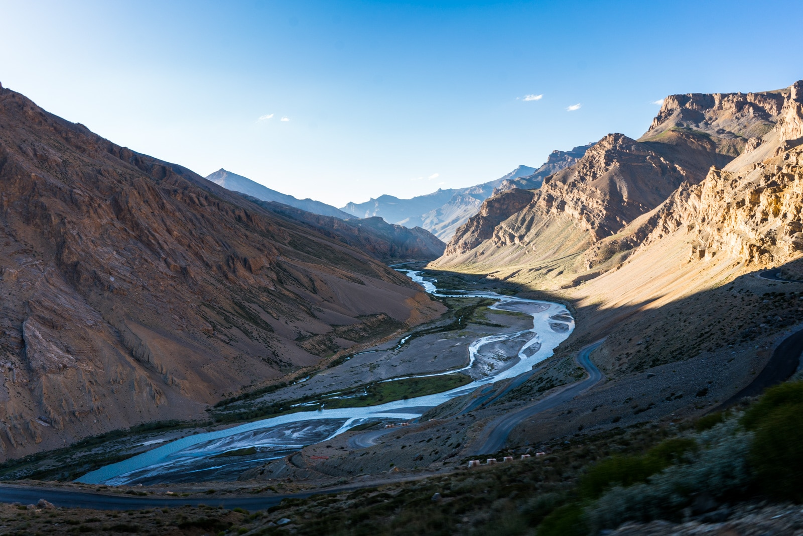 Hitchhiking the Leh - Manali highway - A river running through Ladakh - Lost With Purpose travel blog