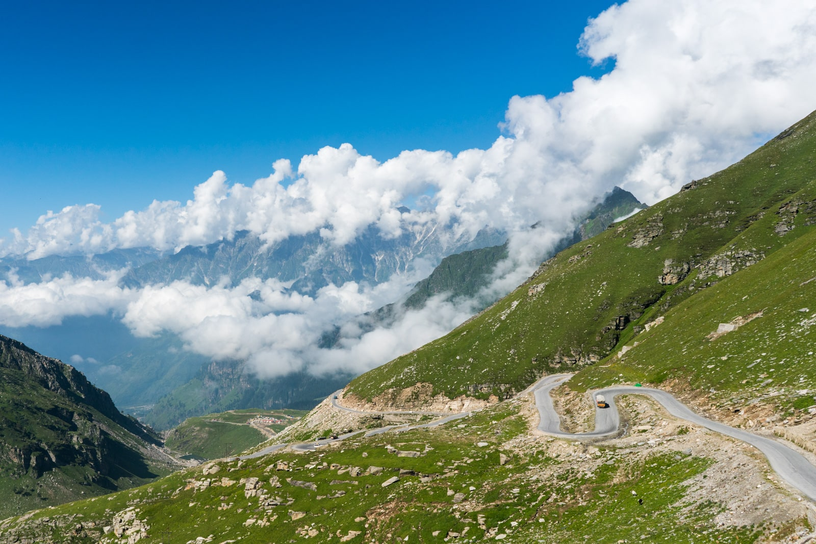 Hitchhiking the Leh - Manali highway - View from Rohtang Pass - Lost With Purpose travel blog