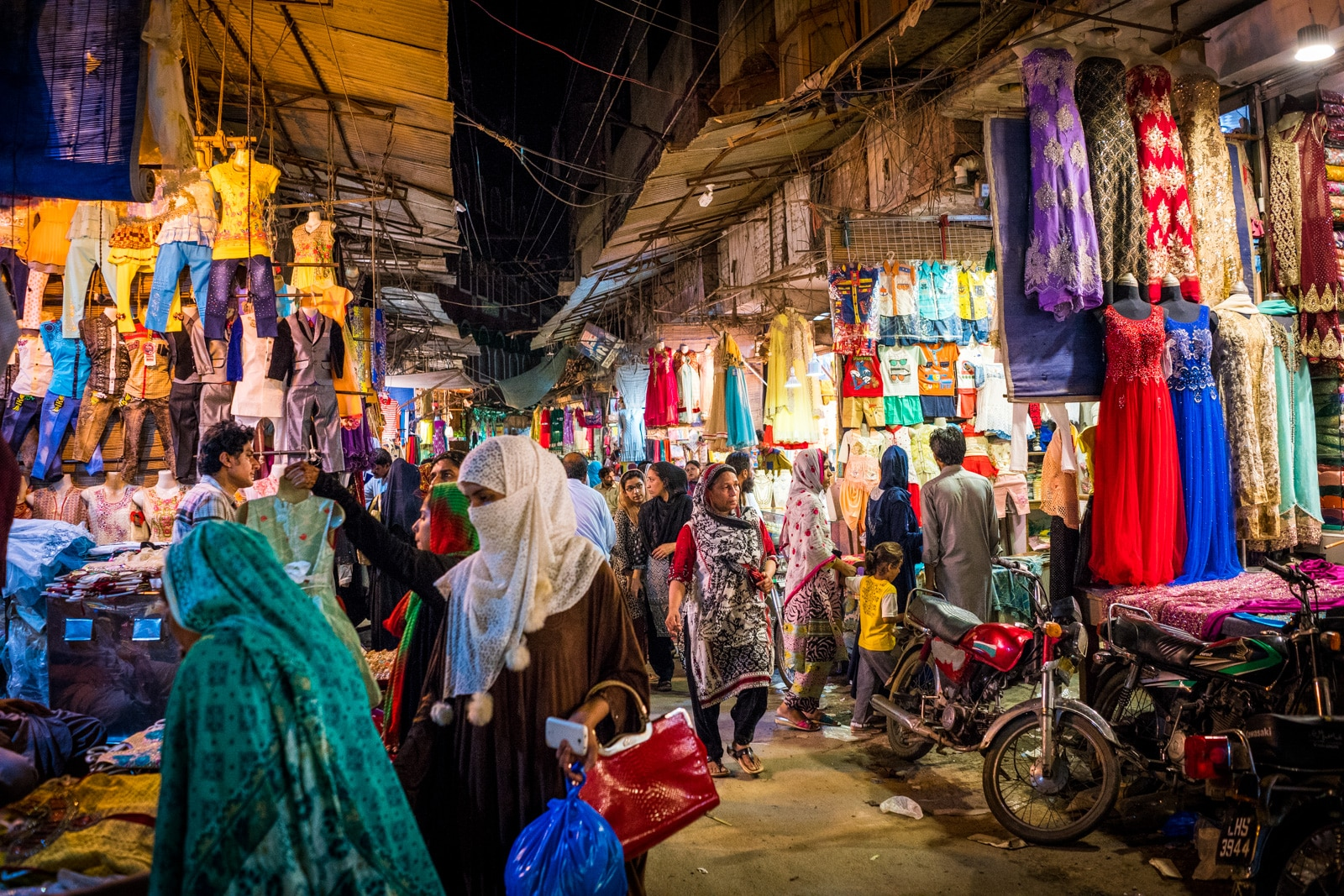 Getting a Pakistan visa extension in Lahore, Pakistan - Market near Wazir Khan Mosque in Lahore's Walled City - Lost With Purpose travel blog
