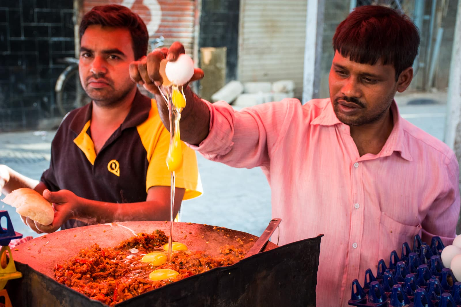 Why we fell in love with India - Pav bhaji cooking on the streets of Mumbai, India - Lost With Purpose travel blog