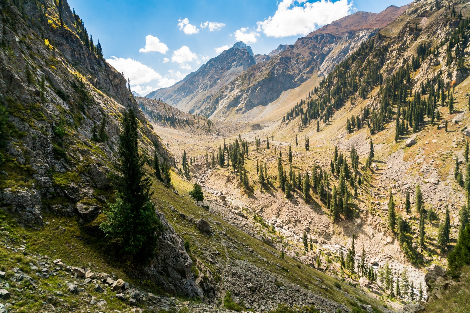 Trekking to Kandol and Spinkhor lakes in Kalam, Swat, Pakistan - Trekking route between the lakes - Lost With Purpose travel blog