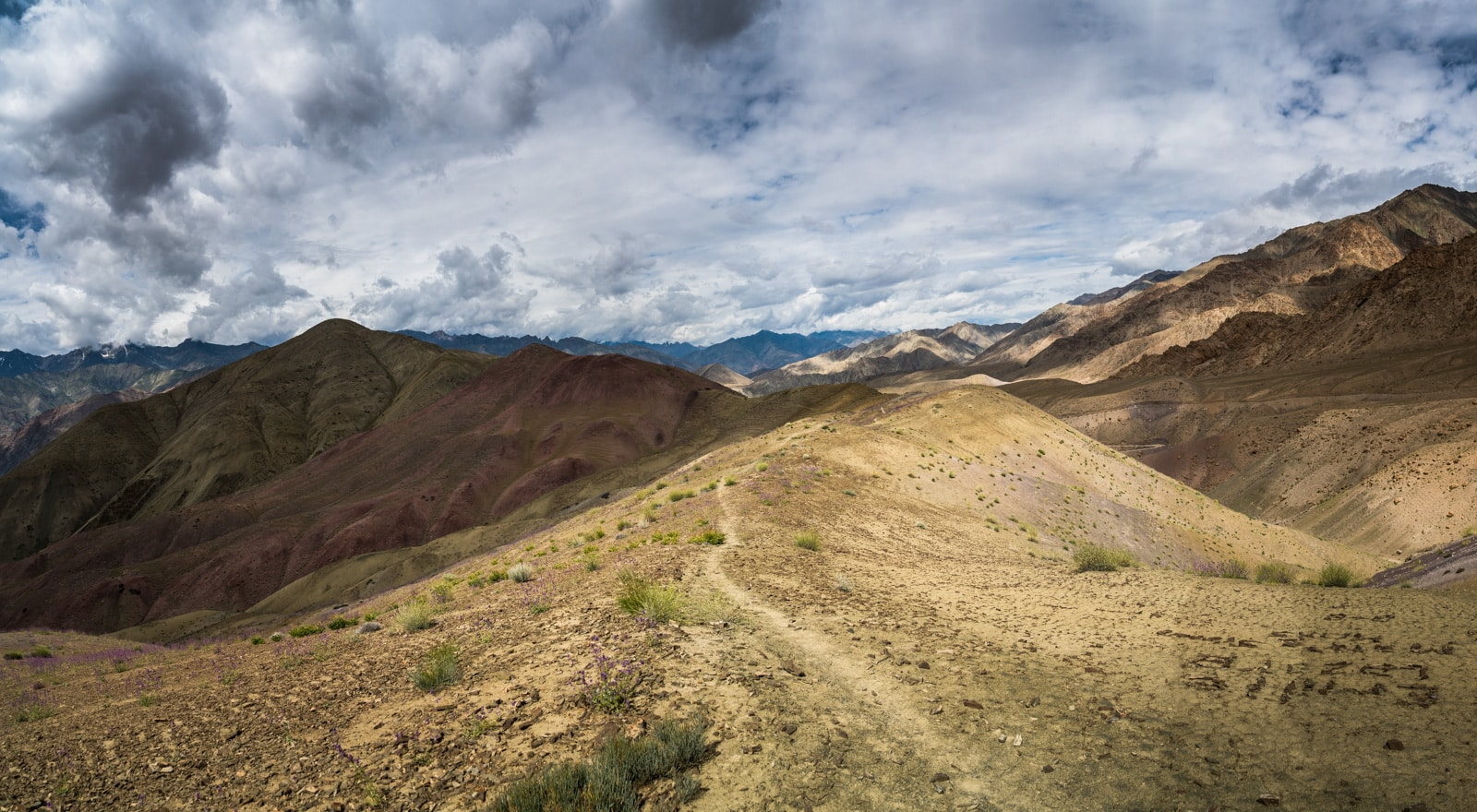 Short 3-day itinerary and guide to the Sham Valley trek in Ladakh, India - Panorama view from the top of the last mountain pass - Lost With Purpose travel blog