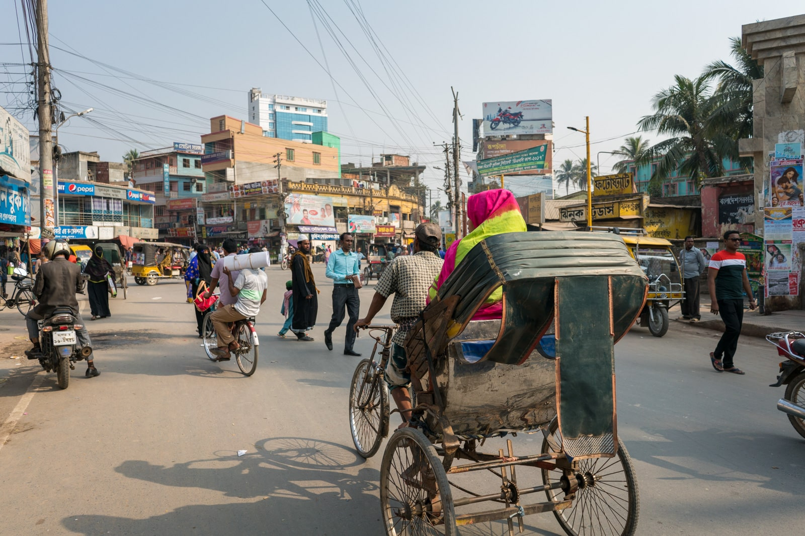 Crossing the India - Bangladesh border at Petrapole and Benapole - Jessore streets - Lost With Purpose travel blog
