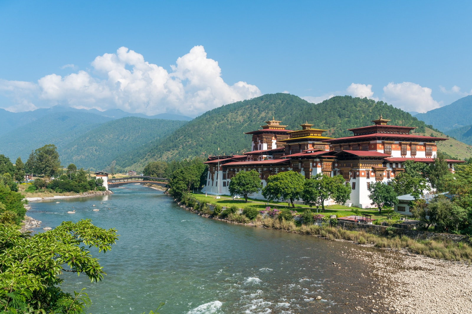 Punakha dzong during the day