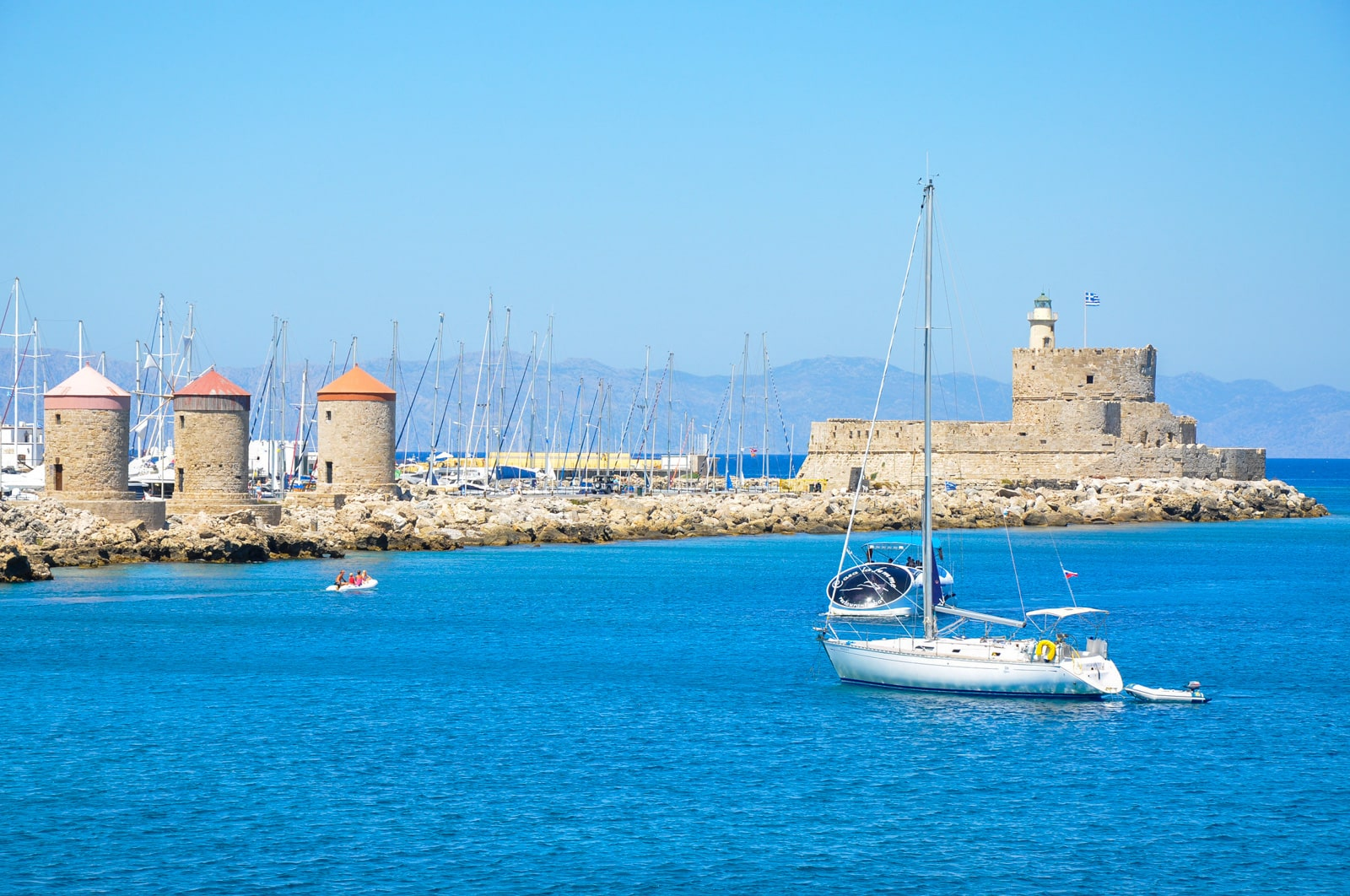 The harbor of Rhodes. Photo by Jorge Lascar.