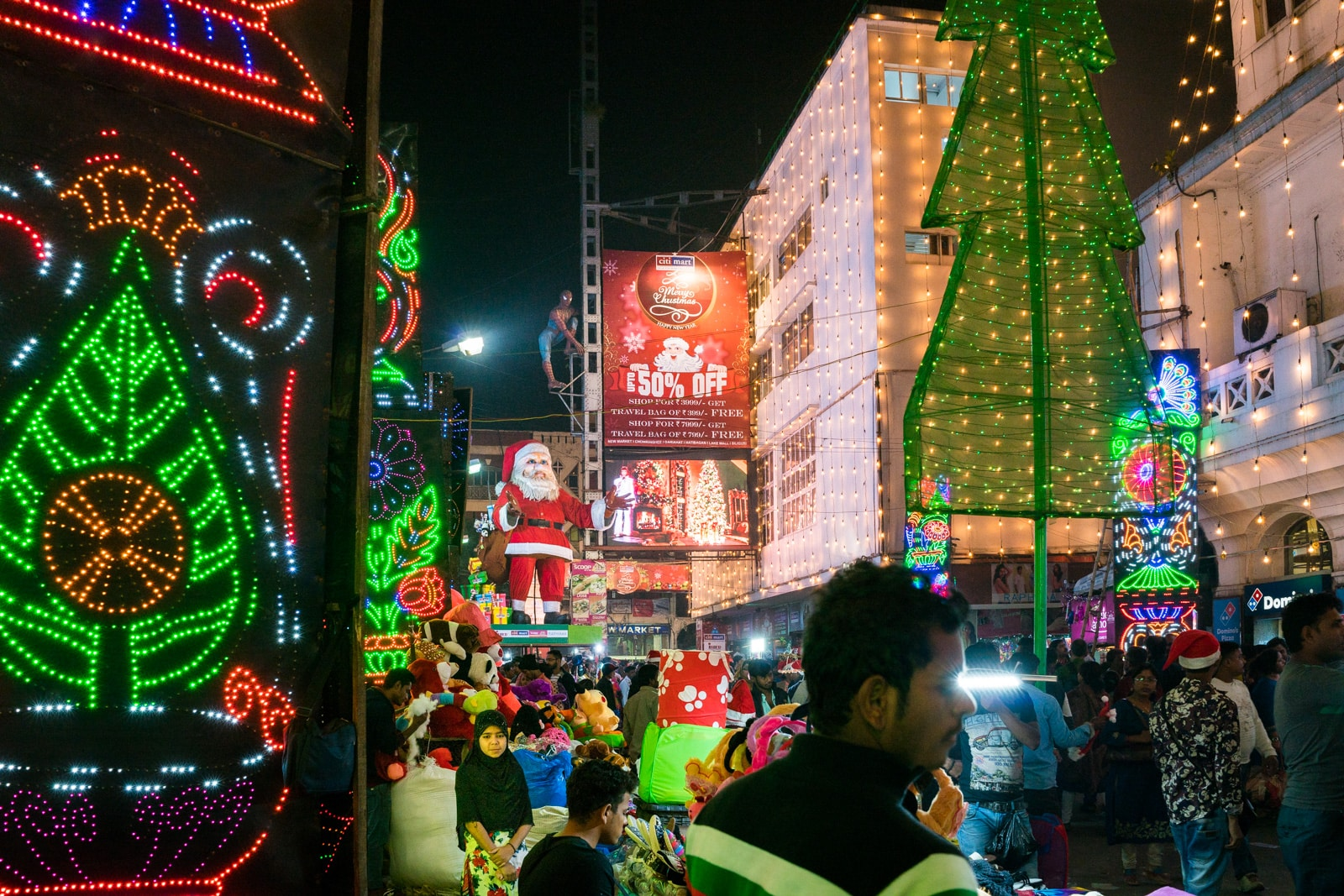 Celebrating Christmas in Kolkata, India - Christmas carnival in New Market - Lost With Purpose travel blog