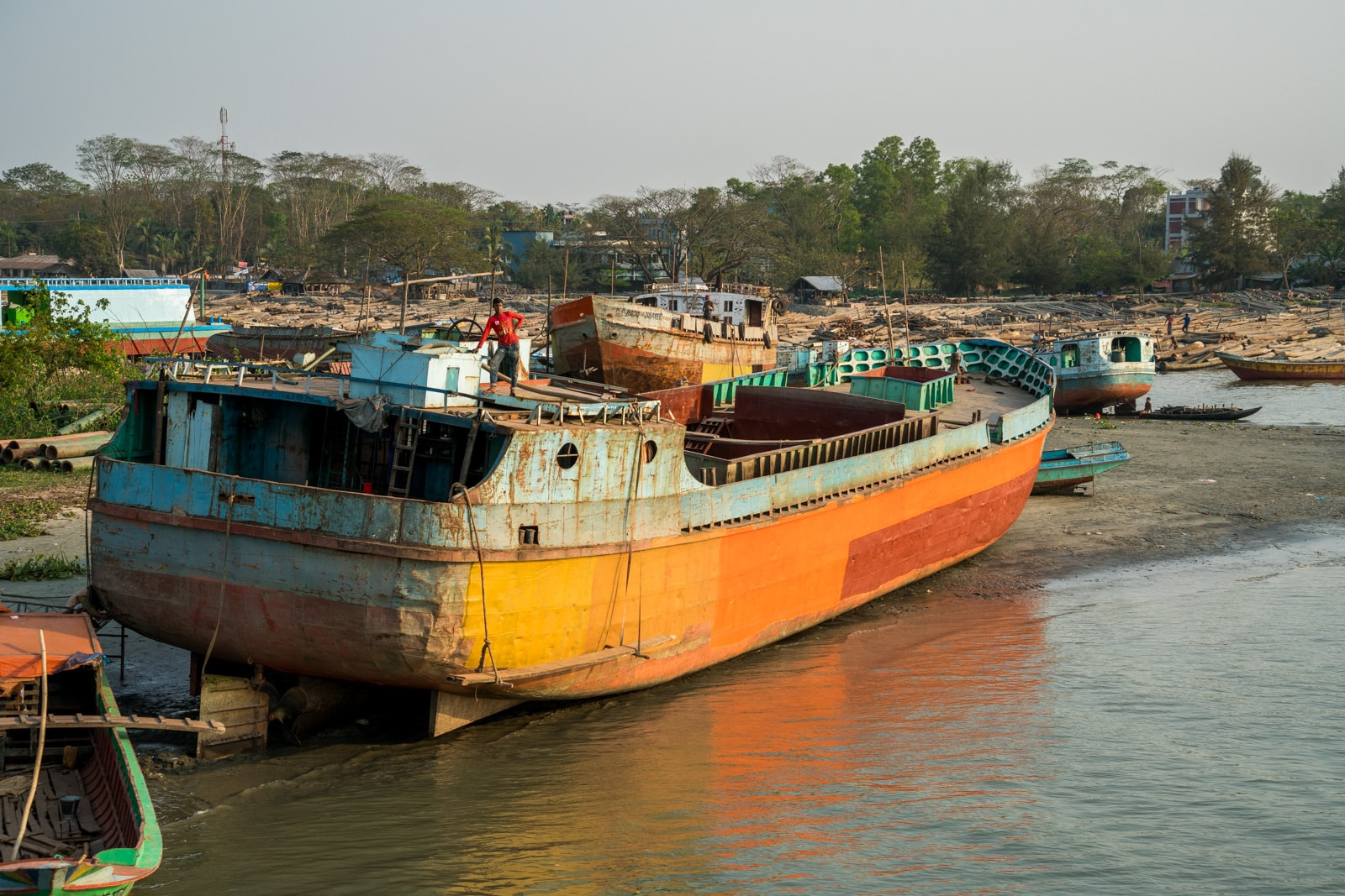 How to take a launch boat from Khulna to Dhaka via Hularhat, Bangladesh -