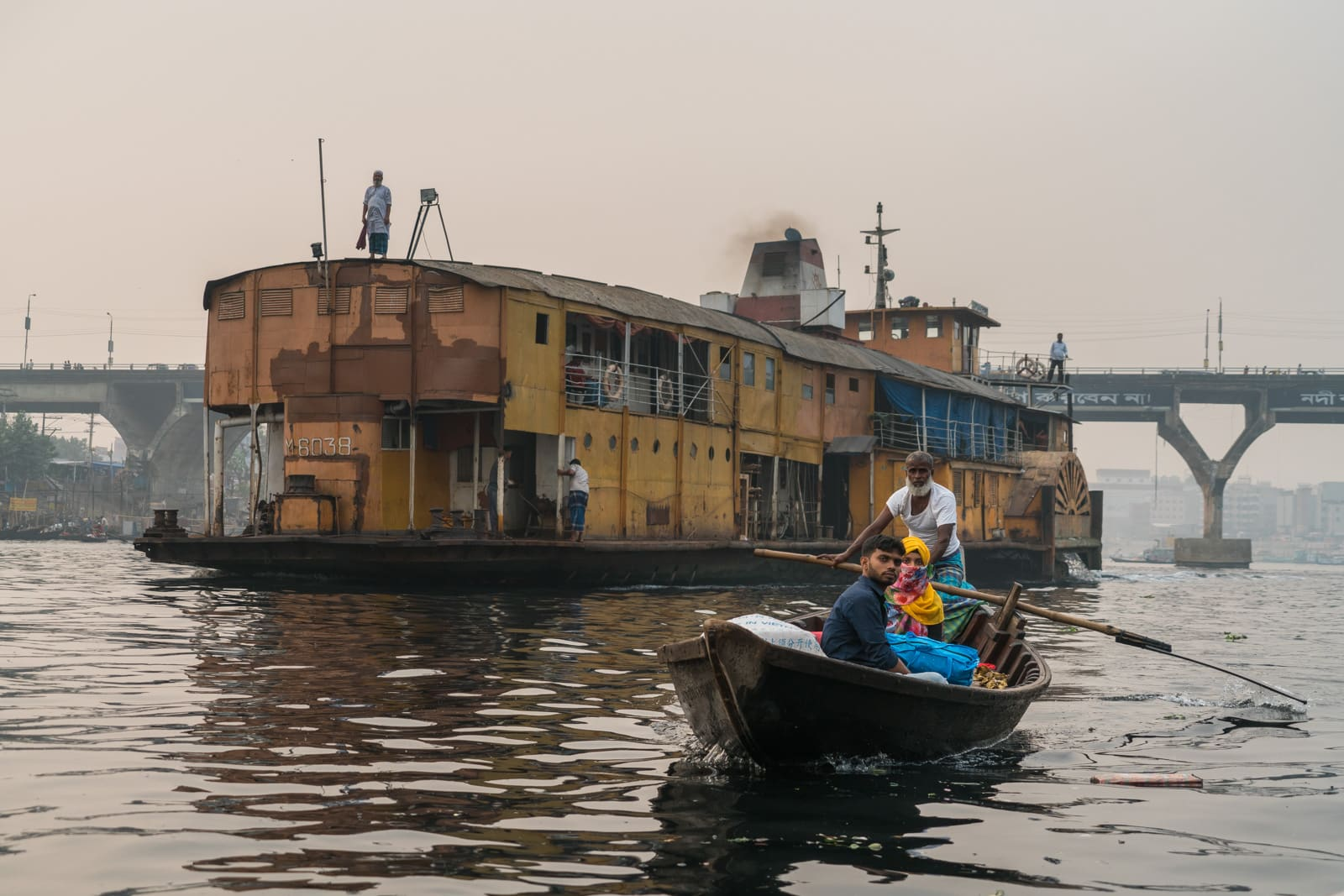 How to get a launch boat from Khulna to Dhaka, Bangladesh - Rocket Steamer sailing into Dhaka - Lost With Purpose travel blog