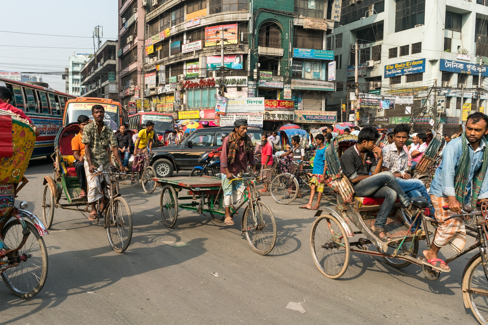 Backpacking in Bangladesh travel guide - Traffic in Dhaka - Lost With Purpose travel blog
