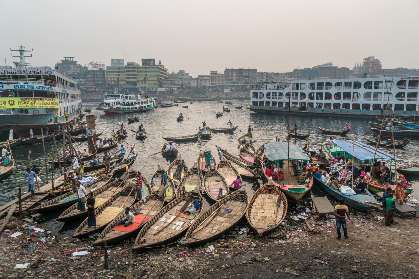 Backpacking Bangladesh travel guide - Chaos at Sadarghat in Dhaka - Lost With Purpose travel blog