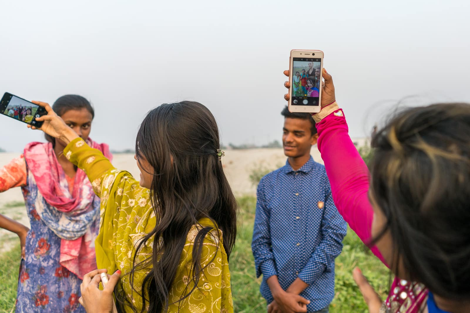 Guide to traveling as a woman in Bangladesh - Selfies with girls in Dhaka - Lost With Purpose travel blog