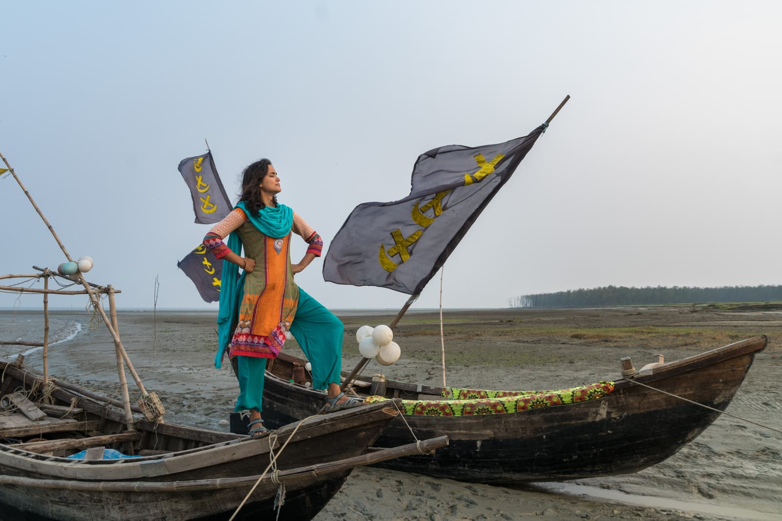 Bangladeshi girl in boat picture 844
