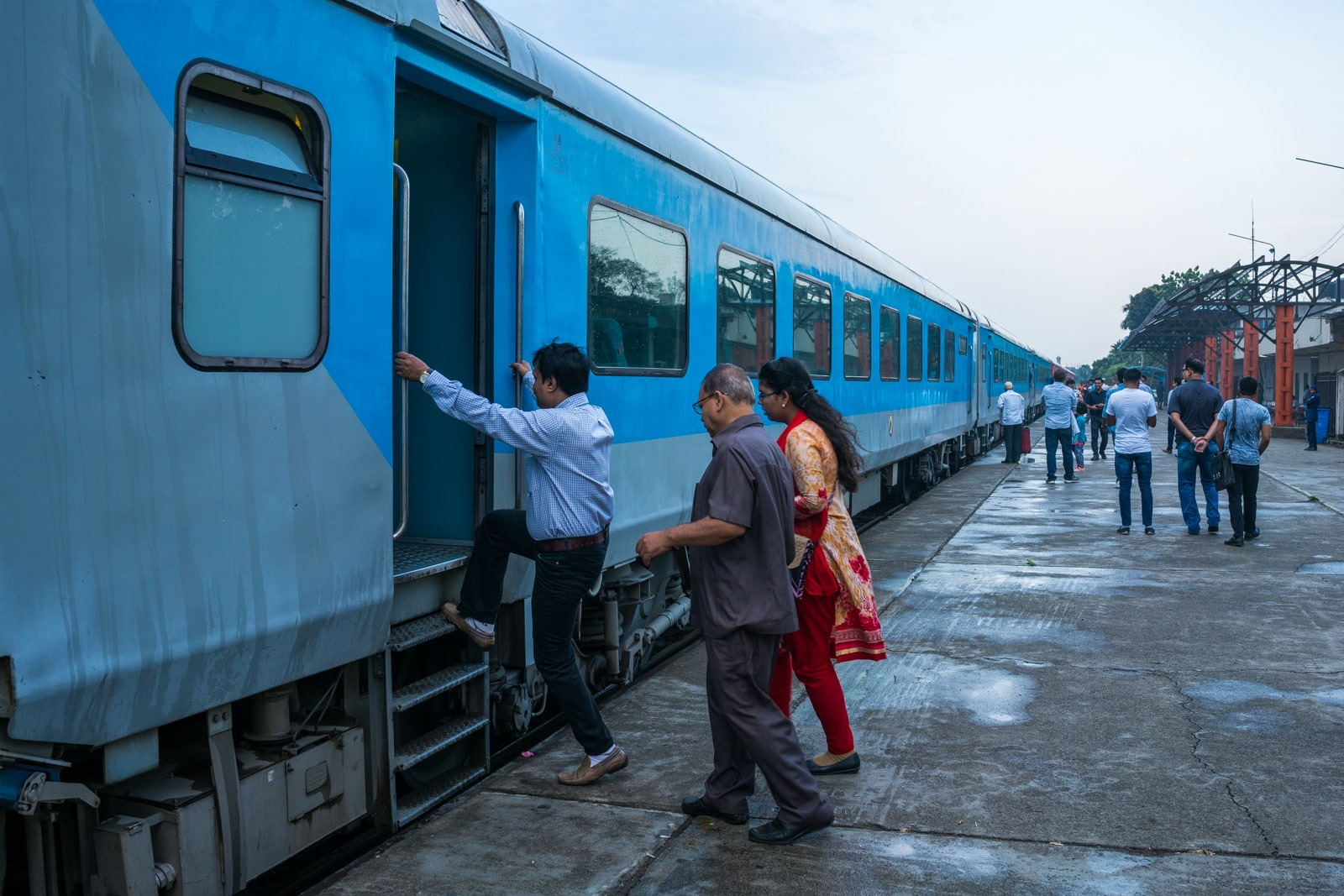How to take the train from Dhaka to Kolkata - People boarding the Maitree Express train at Cantonment station - Lost With Purpose travel blog