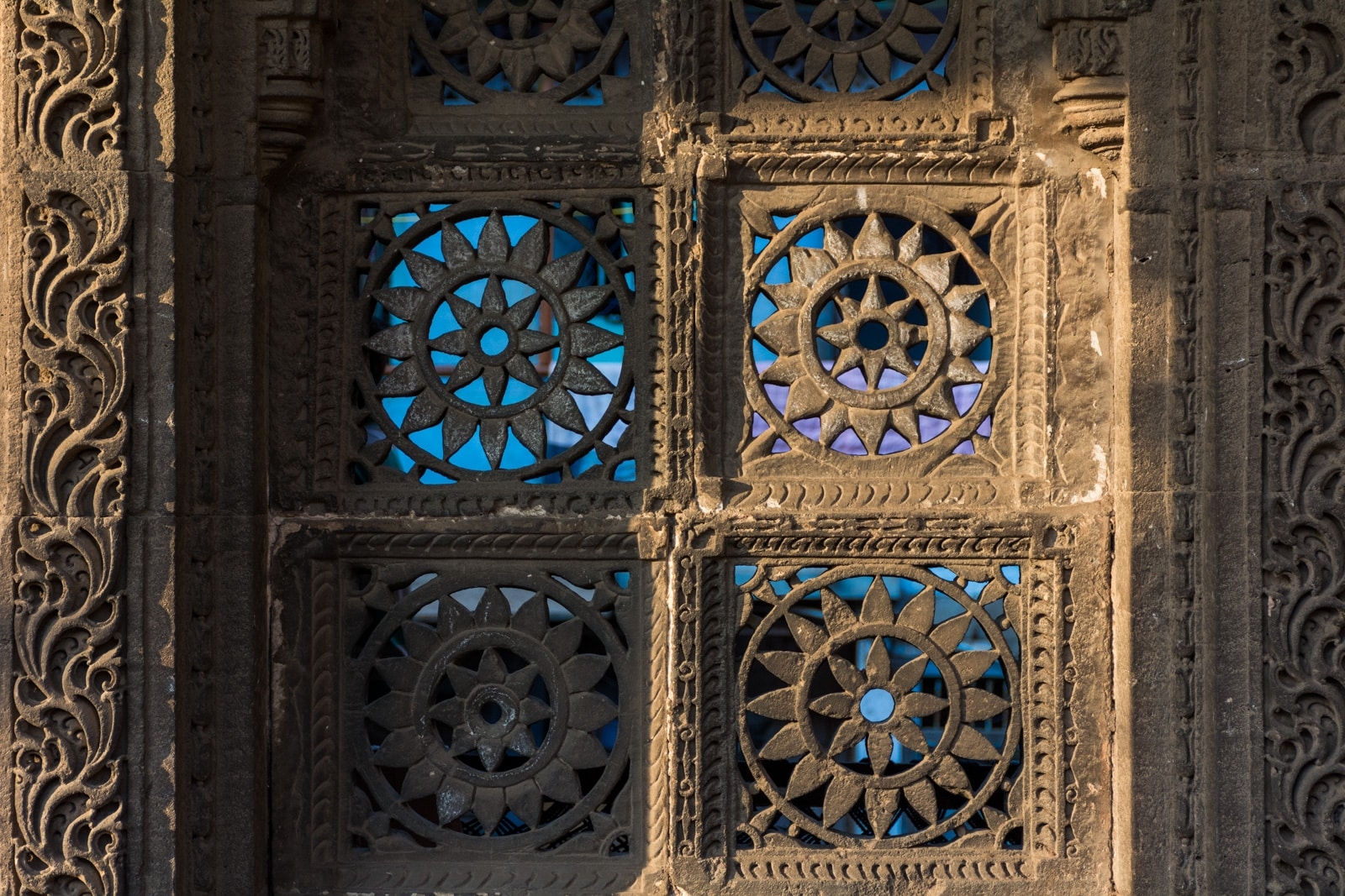 Lattice window carving at Sidi Saeed Mosque