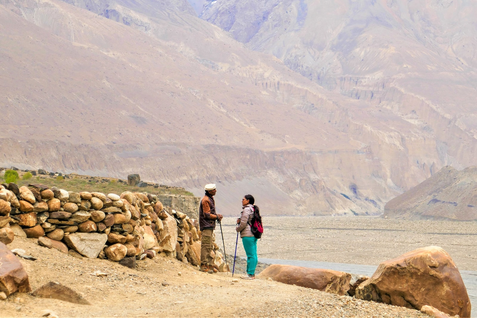 Bossy travelers interview with Aneeqa, head of Pakistan's first female-run tour company - Trekking in Gilgit Baltistan