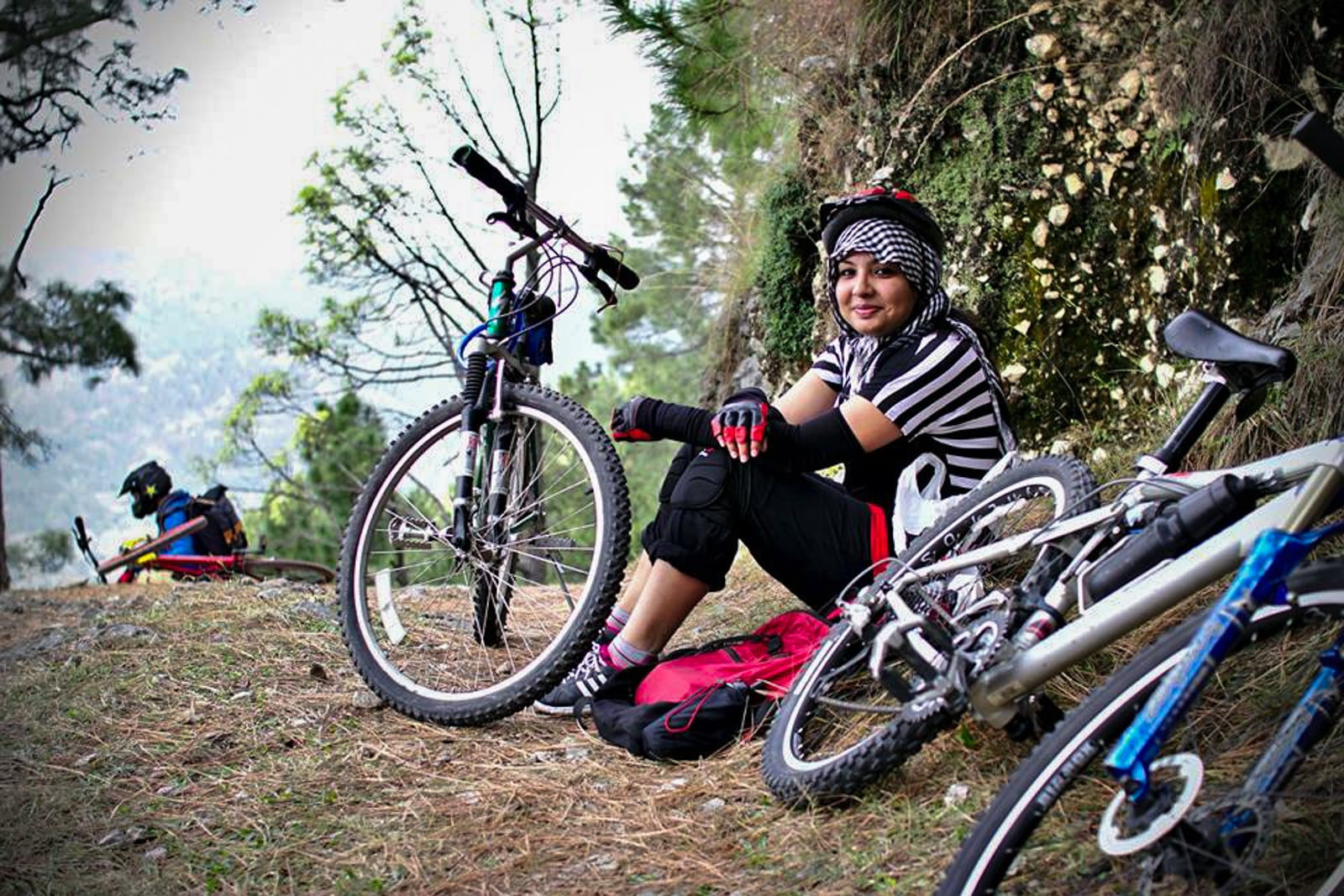 Bossy travelers interview with Aneeqa, head of Pakistan's first female-run tour company - Aneeqa with bicycle