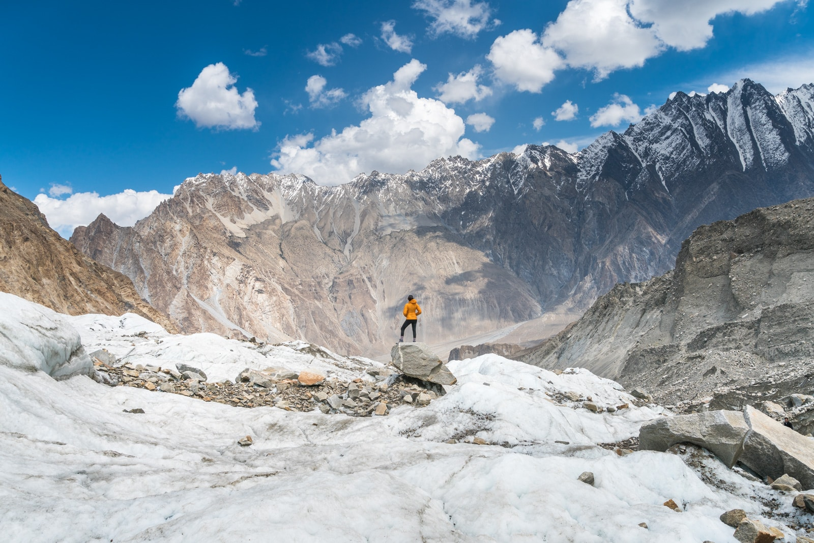 How I afford full-time travel - Looking out over the mountains of Gilgit Baltistan, Pakistan - Lost With Purpose travel blog