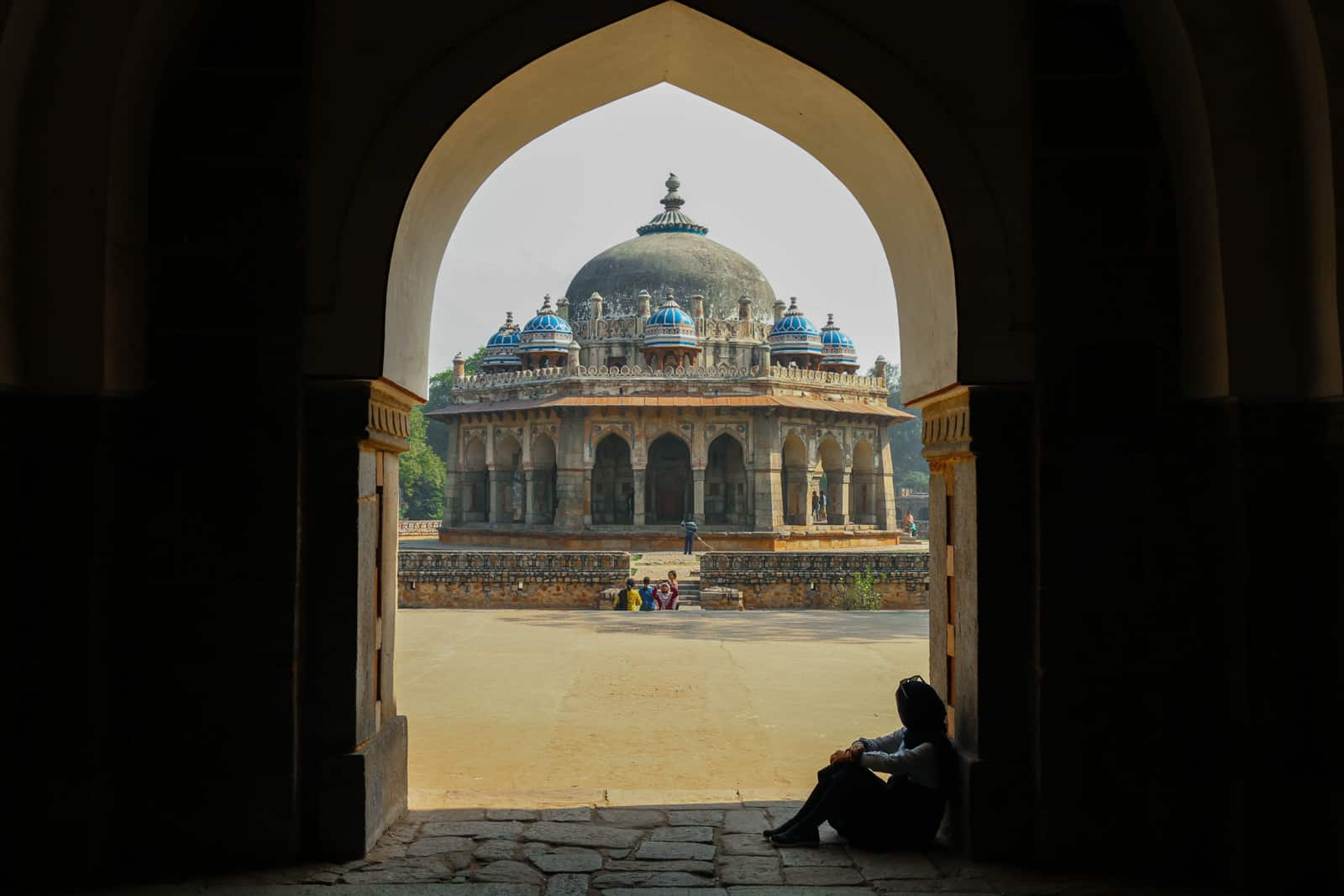 Interview with a tour leader and female travel blogger from Iran - Matin at Humayun's tomb in Delhi, India