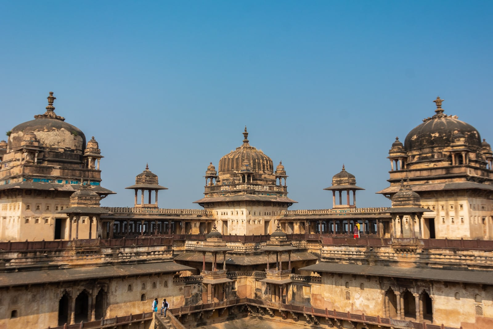 Domes of the Raja Mahal - A quick guide to travel in Orchha - Lost with Purpose travel blog